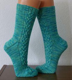 Ravelry: Fallreep pattern by Edda Foken Knitting Patterns Free, Knit Patterns, Free Knitting, Free Pattern, Crochet Socks, Knit Crochet, Knit Socks, Cable Knitting, Knitting Socks