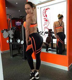 Все ли вошли в тренировочный процесс?? Судя по всему некоторые даже и не выходили из него #yoga #body #muscle #пресс #fitnesswomen #fitnessguru #наприседала #полдэнс #фитнеседа #товарыдляйоги #костюмдляфитнецса #фитнескомбинезон #ttfy #ttfyofficial