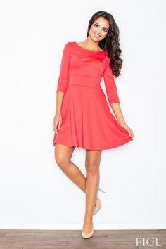 Koralowa rozkloszowana sukienka przed kolano