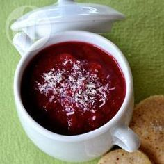 Zuppa di porri, barbabietola rossa e sedano rapa