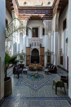 Courtyard Design, Courtyard House, Design Marocain, Design Cour, Le Riad, Arabic Decor, Indian Home Interior, Hotel Room Design, Moroccan Interiors