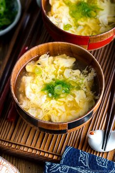 Made with dashi broth with fluffy egg ribbons, Kakitamajiru, or Japanese Egg Drop Soup, is a delicious homey soup that's ready in 15 minutes! #kakitamajiru #eggdropsoup #asiansoups #clearsoup | Easy Japanese Recipes at JustOneCookbook.com Indian Food Recipes, Asian Recipes, Healthy Recipes, Ethnic Recipes, Asian Foods, Dashi Broth, Japanese Egg, Fluffy Eggs, Easy Japanese Recipes
