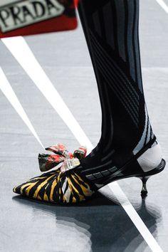 Prada Spring 2018 Ready-to-Wear Accessories Photos - Vogue