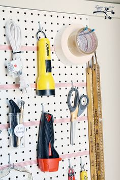 Lookie What I Did: A Well Organized Utility Closet/ The pegboard fits those odd and ends we are always looking for. Organization Station, Garage Organization, Dyi Shed, Cabinet Inspiration, Utility Closet, Diy Storage, Storage Ideas, Small Spaces, House Plans