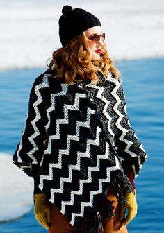 Neulottu siksak-kuvioinen poncho. 1/14. Coco Chanel, Finland, Contemporary Design, Knits, Knit Crochet, Kimono Top, Dress Up, Black And White, Knitting