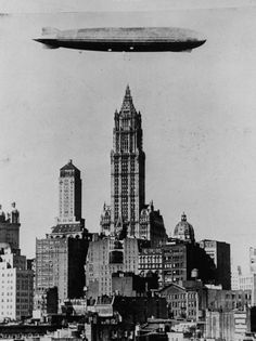 Andy Warhol, Manhattan New York, Lower Manhattan, Downtown New York, New York City, Old Photos, Vintage Photos, Woolworth Building, Vintage New York