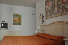 Hotel Locanda Sole – Pozzolengo for information: Gardalake.com