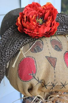 to Make a Scarecrow first day of fall: make a scarecrow and decorate the house.first day of fall: make a scarecrow and decorate the house. Make A Scarecrow, Scarecrow Face, Scarecrow Ideas, Scarecrow Crafts, Scarecrow Costume, Autumn Crafts, Holiday Crafts, Holiday Fun, Fall Halloween