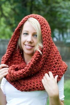 chunky knit scarves that can be HOODS! love it..