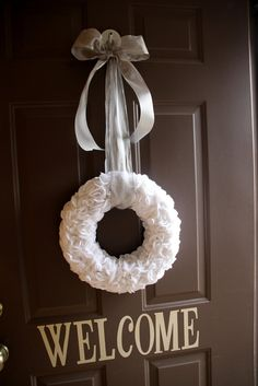 Crafts reDesigned: Winter Wreath in a dark great with white and light blue snow flakes