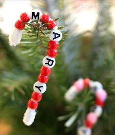 use letter beads for a name candy cane craft