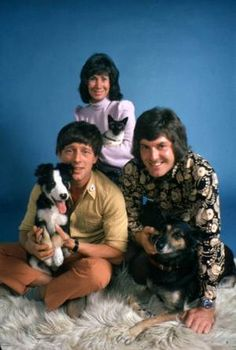 Blue Peter team (Valerie Singleton, John Noakes, Peter Purves and pets) 1970s Childhood, My Childhood Memories, Kids Tv, 80s Kids, Vintage Tv, Vintage Kids, Blue Peter, My Memory, Memory Album