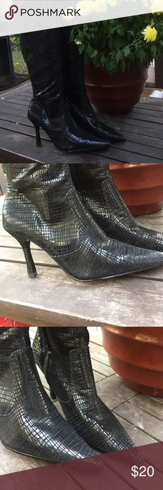Final Oops black leather boots l Oops left size 6 right size 6 1/2. Great deal if this works for you. Tommy Hilfiger Shoes