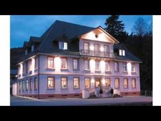 Landhaus Hechtsberg - Hausach - Visit http://germanhotelstv.com/landhaus-hechtsberg This family-run hotel enjoys a scenic location in the Black Forest a 5-minute drive from Hausach and Haslach. Landhaus Hechtsberg offers free Wi-Fi and a beautiful garden terrace. -http://youtu.be/mbU2bjz0gKI