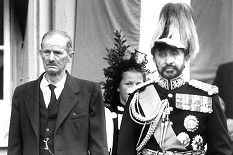 Vor 60 Jahren jubelten in Bern über 100'000 Menschen Kaiser Haile Selassie I. von Äthiopien zu. Mit dem begeisterten Staatsempfang wollte die Schweizer Regierung wieder gutmachen, dass sie den Herrscher 1936 im Abessinien-Krieg gegen Mussolinis Truppen hatte fallenlassen