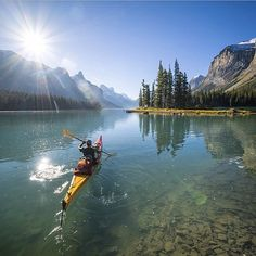 Tips For Kayaking With Your Dog and Pics of Kayak Camping Trips California. Canoe Boat, Canoe And Kayak, Kayak Fishing, Fishing Boats, The Places Youll Go, Places To See, Kayak Adventures, Remo, Kayak Camping