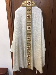 http://www.ebay.com/itm/Italian-Chasuble-Vestment-/112473758307?hash=item1a2ff55a63:g:SDYAAOSwEUVZYDqw