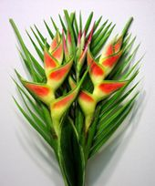 Lets see this beautiful #Flower# Heliconia #online# in #Flowerzncakez#