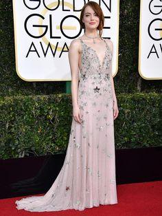 第74回ゴールデン・グローブ賞のレッドカーペットドレスをチェック! エマ・ストーンの写真1です。