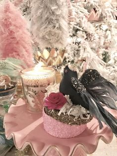 """FEATHERED FRIENDS GIFT BOXES  $38.50 Like birds of a feather, these gift boxes flock together. Use them to store your precious bits & bobs or box up a mini gift for that special someone.     Sold individually  Resin & papermâché  Boxes measure 5.5""""  www.whitelilacinc.com To SHOP this item click the visit button!"""