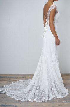 Featured Wedding Dress: Anna Campbell wedding dress