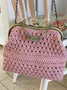 Vintage Style Handmade Crochet Bag Designer Luxury Handbag Retro bag, Made from Crochet Cotton Yarn - Our Fashion Bag Made in Israel Crochet Handbags, Crochet Purses, Crochet Bags, Diy Crochet, Crochet With Cotton Yarn, Look Retro, Crochet Shell Stitch, Simple Bags, Purse Patterns