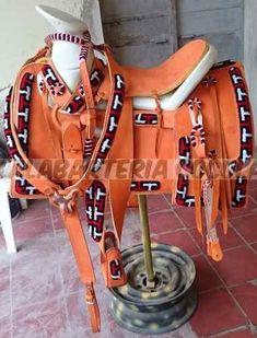 Silla De Montar Charra Montura - $ 13,000.00 en Mercado Libre Western Tack, Western Saddles, Horse Saddles, Western Cowboy, Cowboys, Country, Stuff Stuff, Saddles, Cute Horses