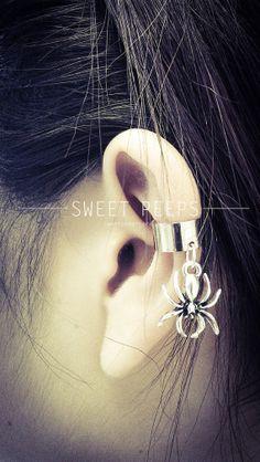 Silver Spider Ear Cuff