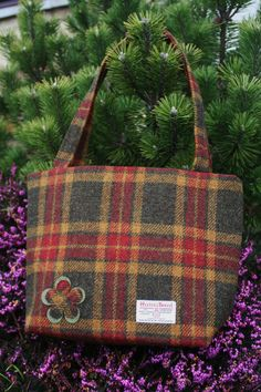 ed43efebb4ed A beautifully constructed Scottish Harris tweed tote bag with square  corners and two shoulder straps.