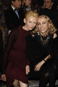 Tilda-Swinton-and-Franca-Sozzani-at-Lanvin.jpg (2136×3201) So my vote goes to Franca's natural Sprezzatura.