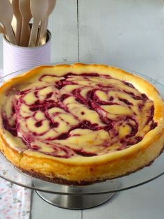 Ik maakte deze raspberry cheesecake voor een high tea feestje en iedereen heeft er van gesmuld.