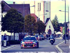 26ème jour : dans la rue..... Notre champion du village... au village !! Seb Loeb... ;)