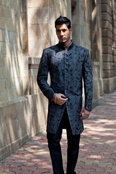 SHERWANI - BenzerWorld (don't think I could pull it off but clean nonetheless)