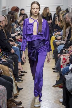 J.W.Anderson Fall 2017 Ready-to-Wear Fashion Show Collection