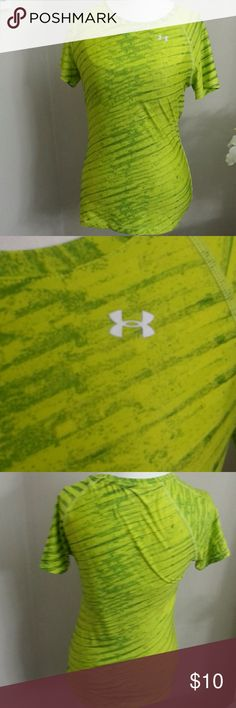 """Under Armour Athletic Tee """"Heat Gear"""" Under Armour  Green patterned athletic tee in a fitted style.  90% polyester/10% elastane Under Armour Tops Tees - Short Sleeve"""