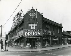 Chippewa Drug Company, 4201 South Kingshighway. Dates: 1930-1940.  Now the site of Jack 'n the Box at Chippewa and Kingshighway. | collections.mohistory.org