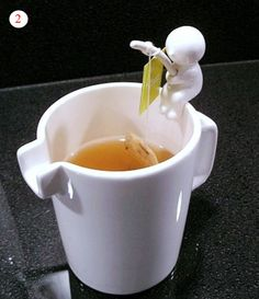 Fishing Man Tea Bag Holder Cup Design ~ PANELATERAPIA - Blog Cooking, Food and Recipes. What an incredible idea!