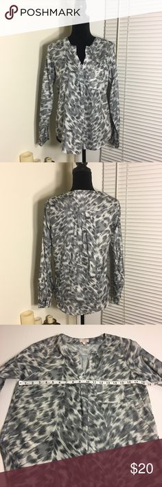 Pixley snow leopard print popover top Pocket (Stitch Fix brand) light grey leopard print top. Popover style with vee neck and long sleeves Pixley Tops Blouses