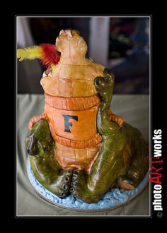 Florida Gator Cake by johnniekake, via Flickr.