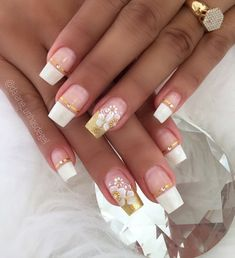Unhas de ano novo fáceis, veja Gold Acrylic Nails, Natural Acrylic Nails, Gold Glitter Nails, Sparkly Nails, Heart Nail Designs, Pretty Nail Designs, Simple Nail Art Designs, Best Nail Art Designs, Fabulous Nails