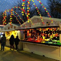 Champs Elysees Christmas markets, Paris http://wanderingwives.net/2015/12/08/paris-at-christmas/