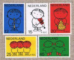 オランダ ディック・ブルーナのデザイン切手 Miffy, Collage Illustration, Typography Design, Comics, Glitch, Books, Type Design, Libros, Book