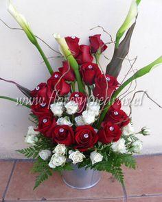 arreglo florale rosas rojas arreglos florales flores y piedras flores y piedras tu