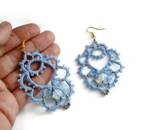 Aquamarine tatted lace earrings with moonstones//handmade earrings/lace…