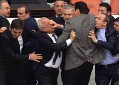 "FOTOS – #Diputados se entran a ""vejigazo"" en Turquía"