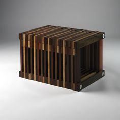 Really Cool Chair from Reclaimed Window Blinds + Table and Benches from Recovered Materials : TreeHugger by daniu
