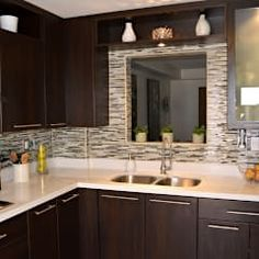 Magnificient Small Kitchen Design Ideas For Small Home 47 Modern Kitchen Cabinets, Kitchen Furniture, Kitchen Interior, Room Interior, Interior Design Living Room, Kitchen Themes, Kitchen Decor, Casa Mix, Cuisines Design