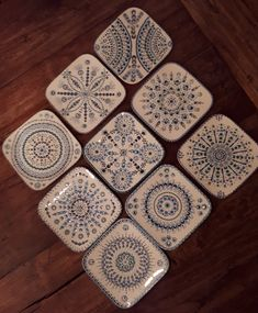 #Dotpainting #Stippen #Handmade #Manja Mandala Painting, Dot Painting, Mandala Art, Stippling Art, Paint Your Own Pottery, Diy Resin Art, Mandala Rocks, Painted Plates, Ceramics Projects