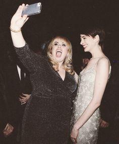 Rebel Wilson meets Anne Hathaway, hahah I love Rebel.