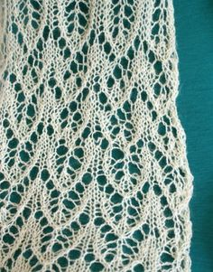simple lace scarf knitting pattern  Doesn't look simple!  I want to make it!